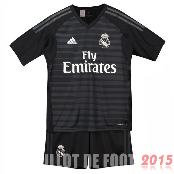 Maillot De Foot Real Madrid Gardien Enfant 18/19 Domicile Un ensemble